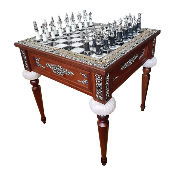 Black and White Oynx Chess Set