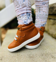 Load image into Gallery viewer, Leather High Top Cognac Sneakers