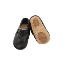 Load image into Gallery viewer, Signature Bare Black Moccasin