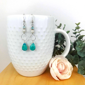 Turquoise earring with pearls
