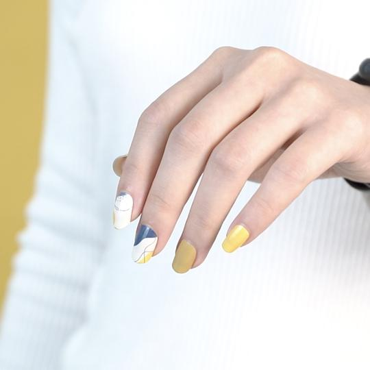 4 Outfit Styling Tips For Ladies in Singapore to Match with Your Nail Stickers