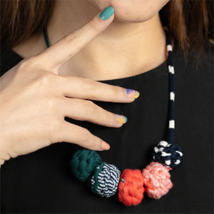 Colour Jungle + Muta wear Bundle - A set of nail stickers and necklace