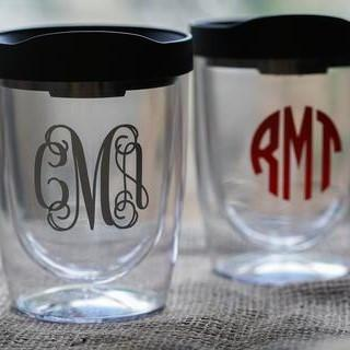 Personalized Acrylic Wine Glasses with Tops Stemless Non-Breakable