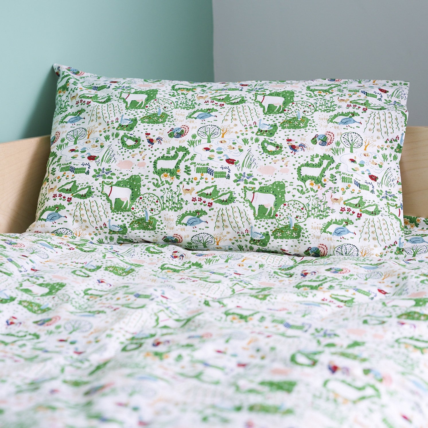 Farm yard toddler cot bed duvet set