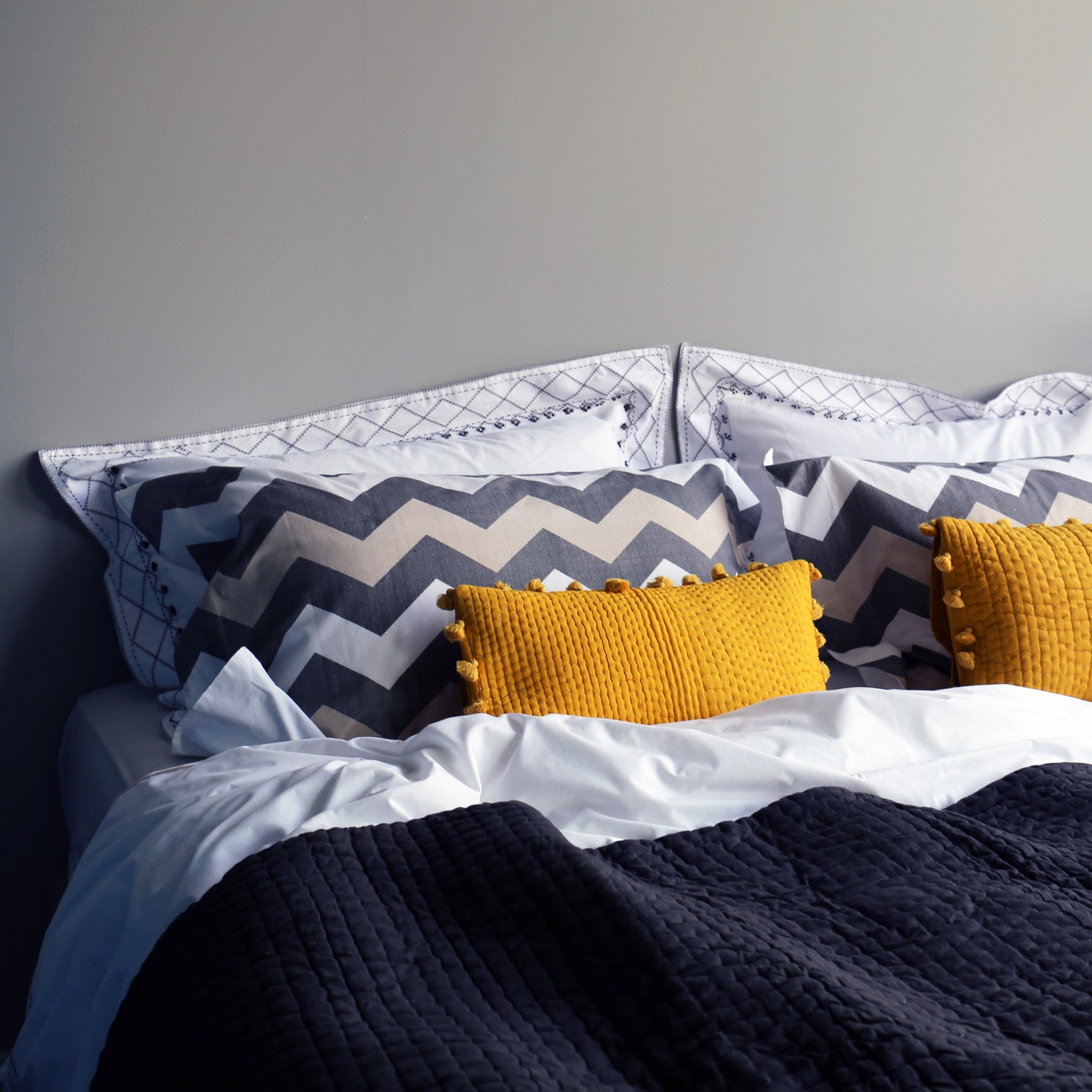 Grey Zigzag Oxford single pillowcase