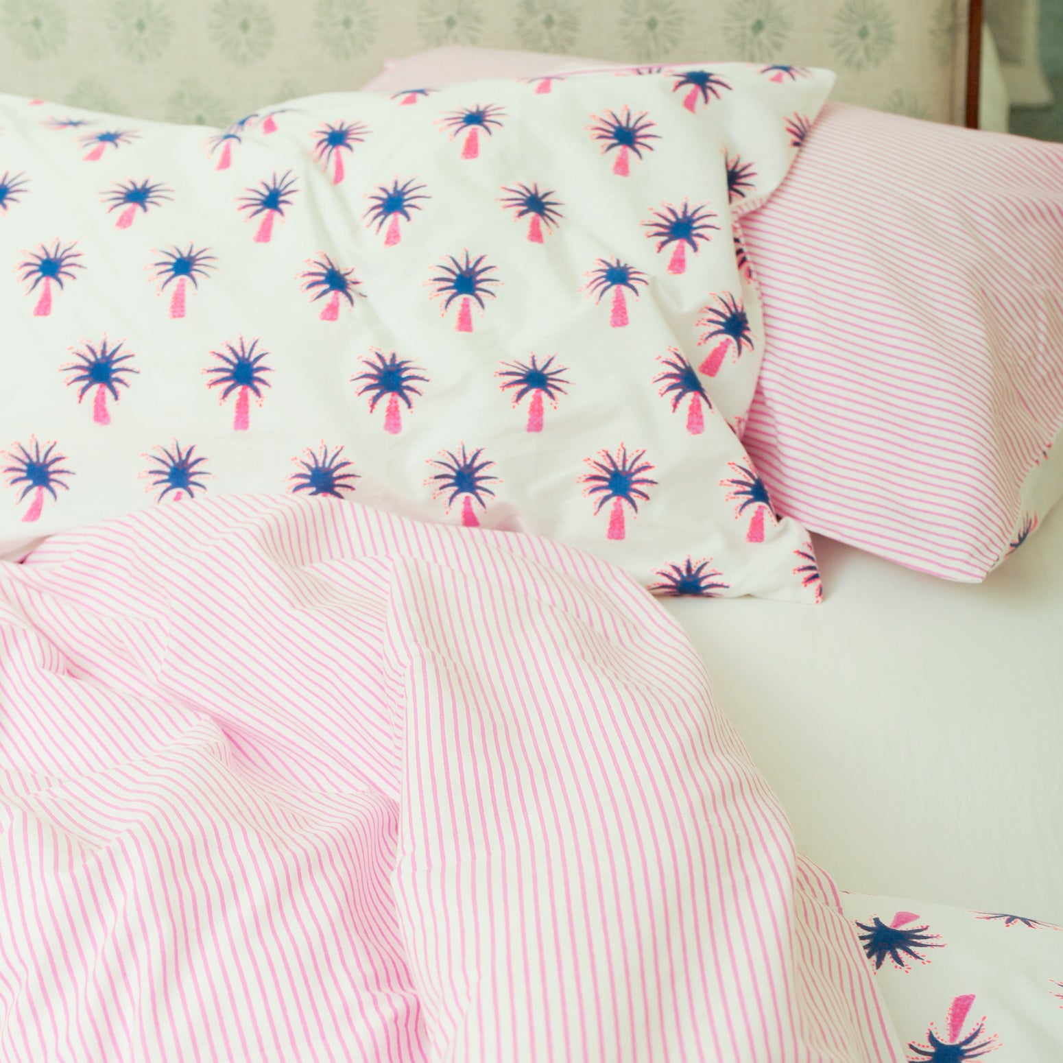 Pink palm single pillowcase