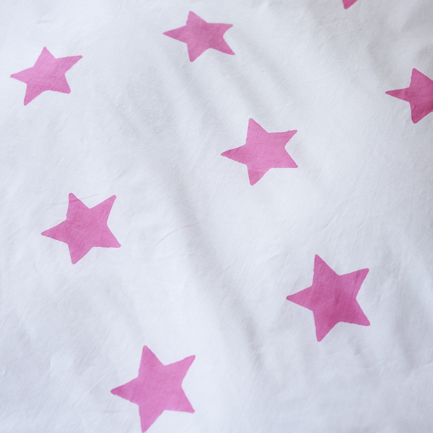 Bright pink star single pillowcase