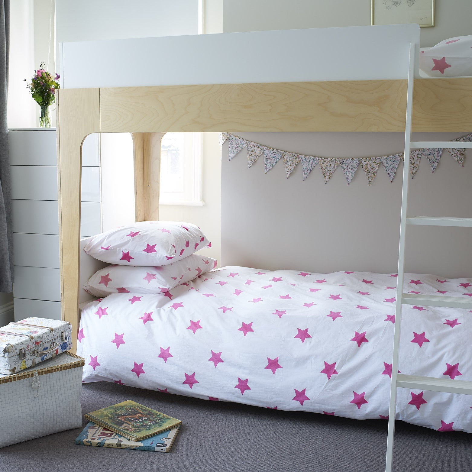 Bright pink star single bedding set