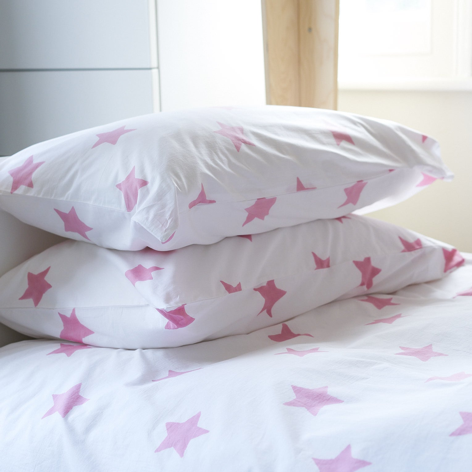 Pastel pink star single pillowcase