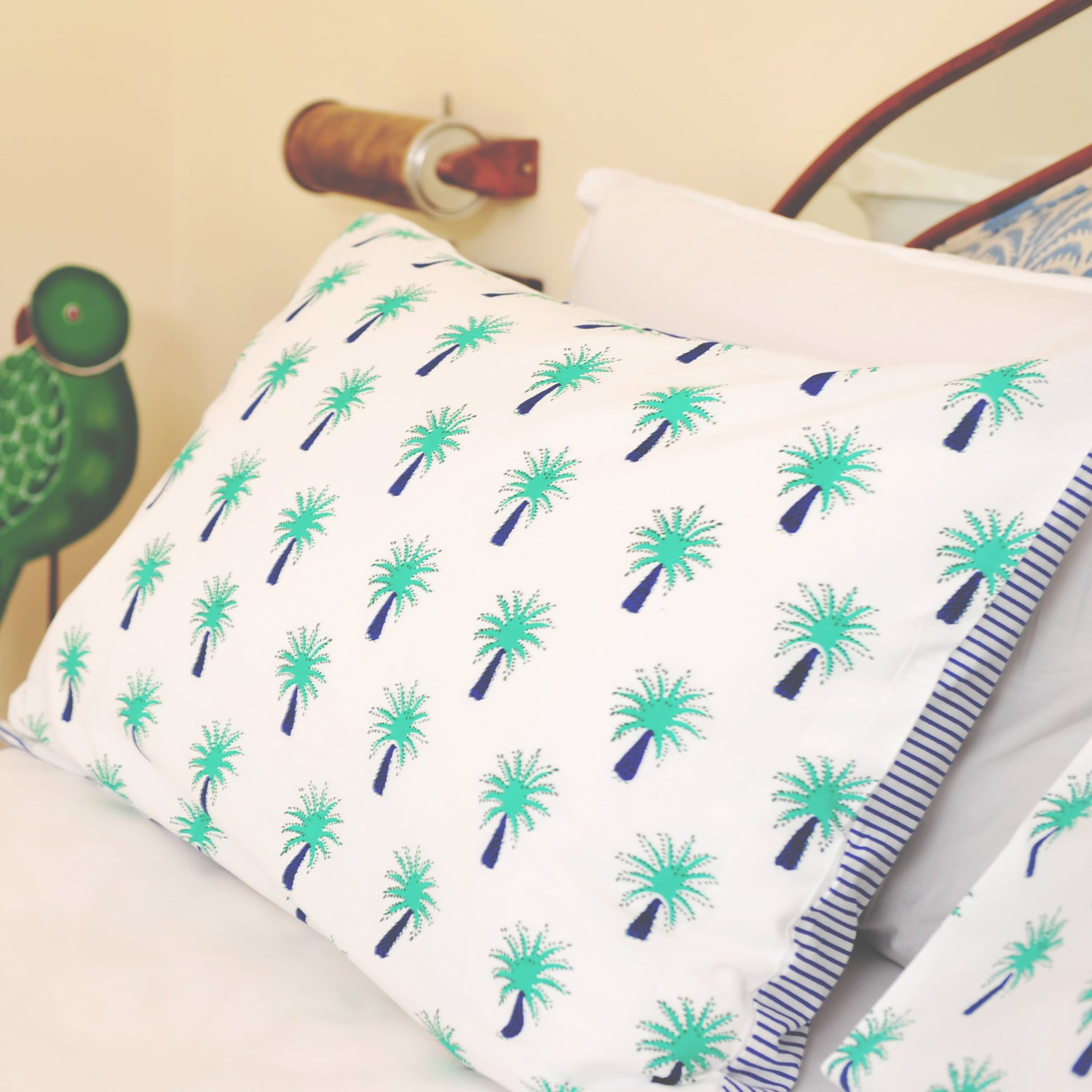 Turquoise palm single pillowcase