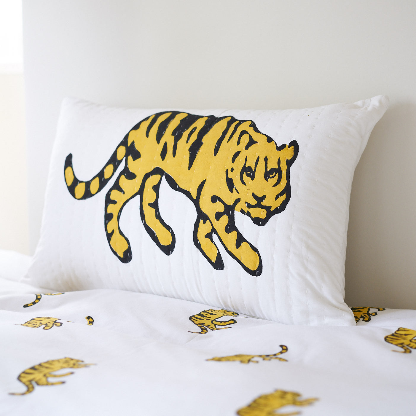 Yellow Tiger single duvet cover