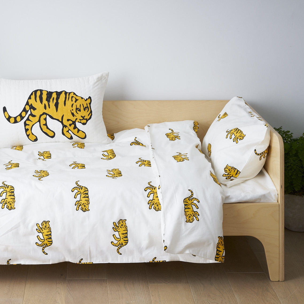 Tiger toddler cot bed duvet set