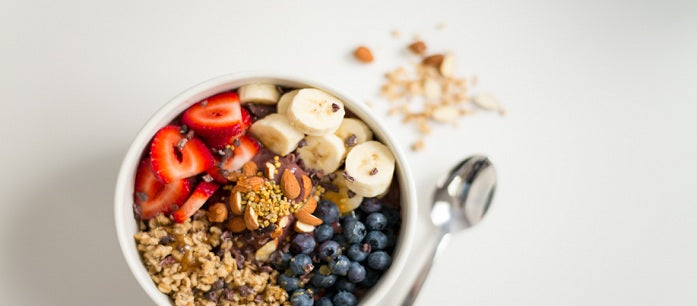 Acai berry is considered a super fruit and it can give you lots of health benefits. Read on to learn some delectable acai bowl recipes for breakfast.