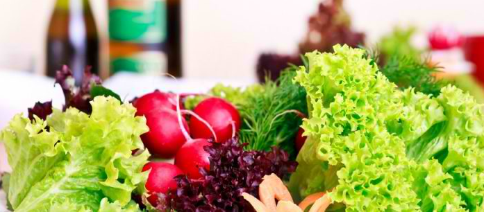 Just like with all the other diets, there are also advantages and disadvantages of a vegetarian diet, so you need to carefully weigh your options.