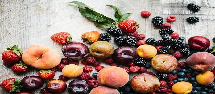 There are a lot of choices of fruits that can help your health. Aside from being sweet, sugary, and tasty, a lot of fruit choices contain loads of essential nutrients. Find out what fruits are excellent to have in your diet.