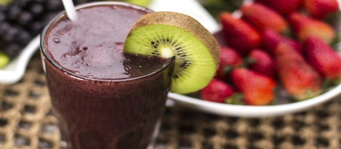 Who says detoxifying is for rich people only? Here is a guide to an easy and affordable detox cleanse to remove toxins that you can do at home.