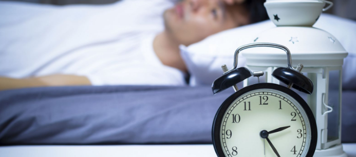 Insomnia is a sleeping disorder experienced by a lot of people. Insomnia can be treated without medicine using the natural methods like a healthy diet.