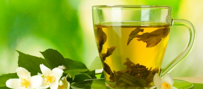 Green tea has long been a staple in the Japanese diet. Did you know that this beverage is considered one of the healthiest? Here are some of its benefits.