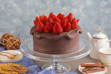 Load image into Gallery viewer, Strawberry Choco Cake