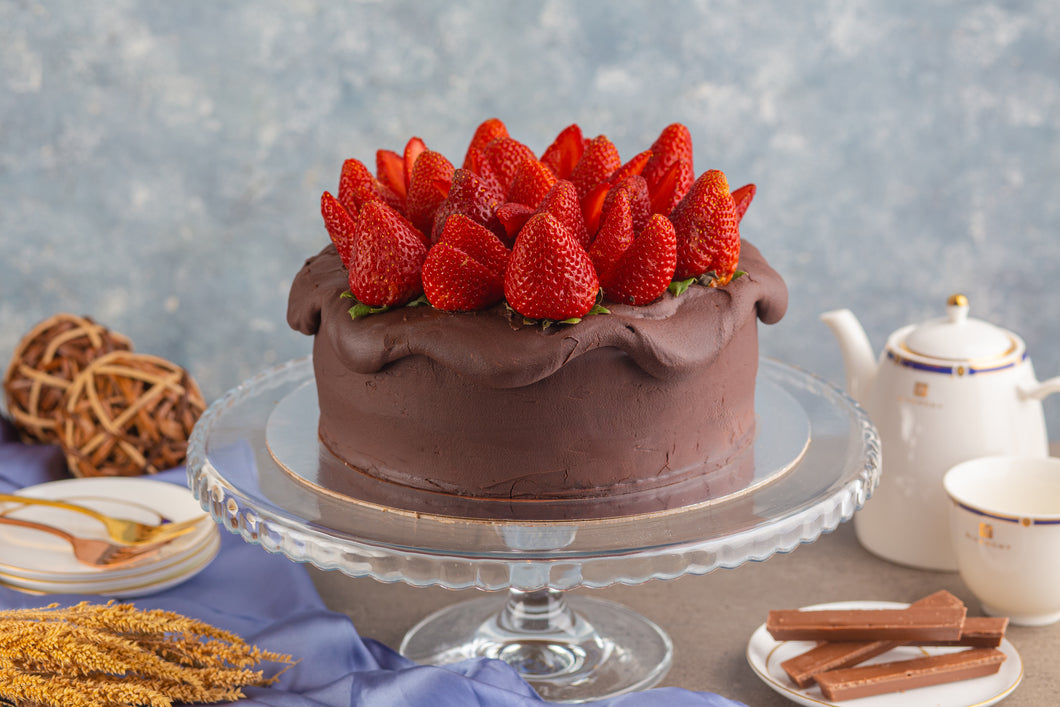 Strawberry Choco Cake