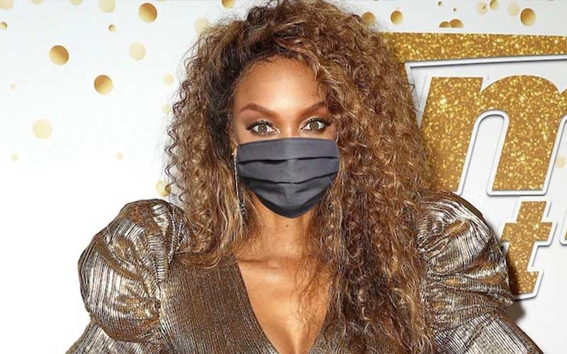 Tyra Banks wearing a face mask