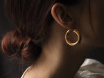Load image into Gallery viewer, GOLD CHUNKY HOOP EARRINGS • M