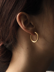 GOLD SATIN HOOP EARRINGS • L