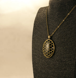"COLLAR ""GOLDEN NIGHT"" OVALADO"
