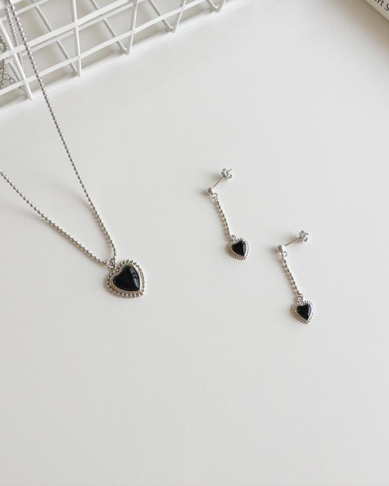 Onyx Heart Dangle Earrings