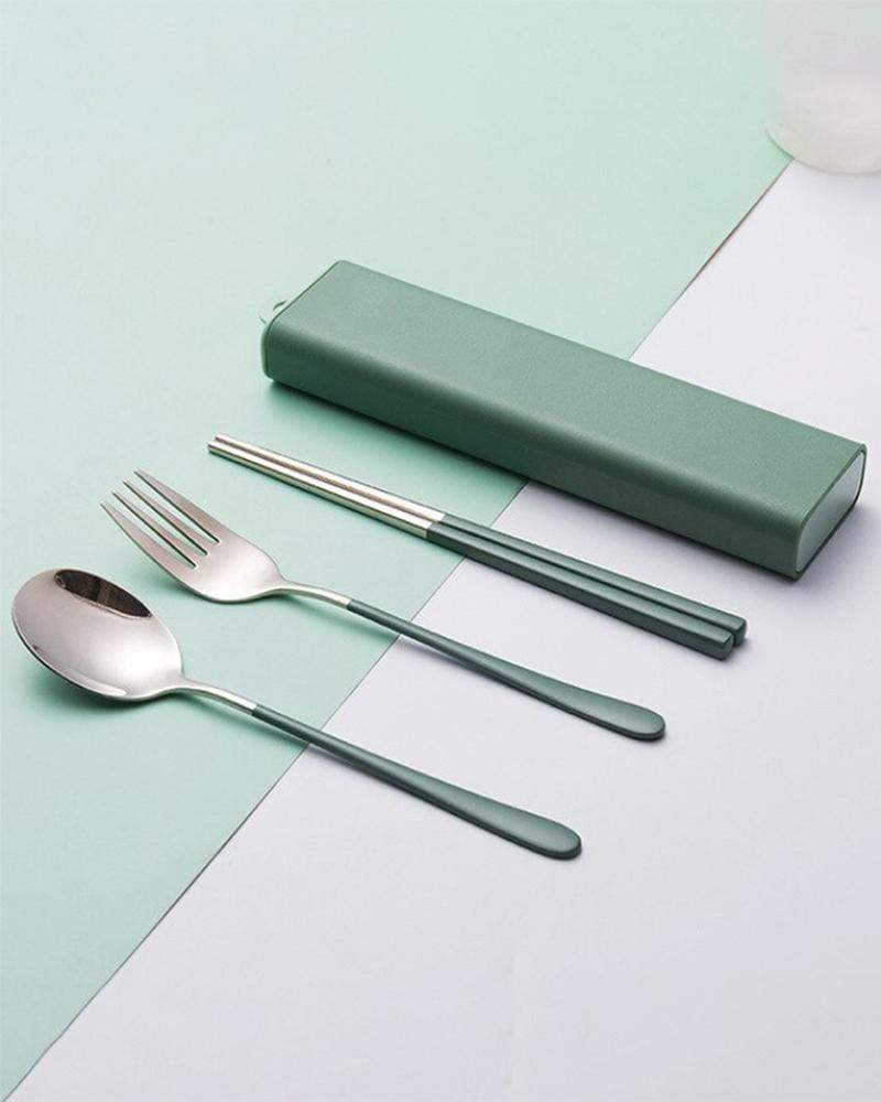 Shop Two-Tone Locking Portable Utensil Set in Forest