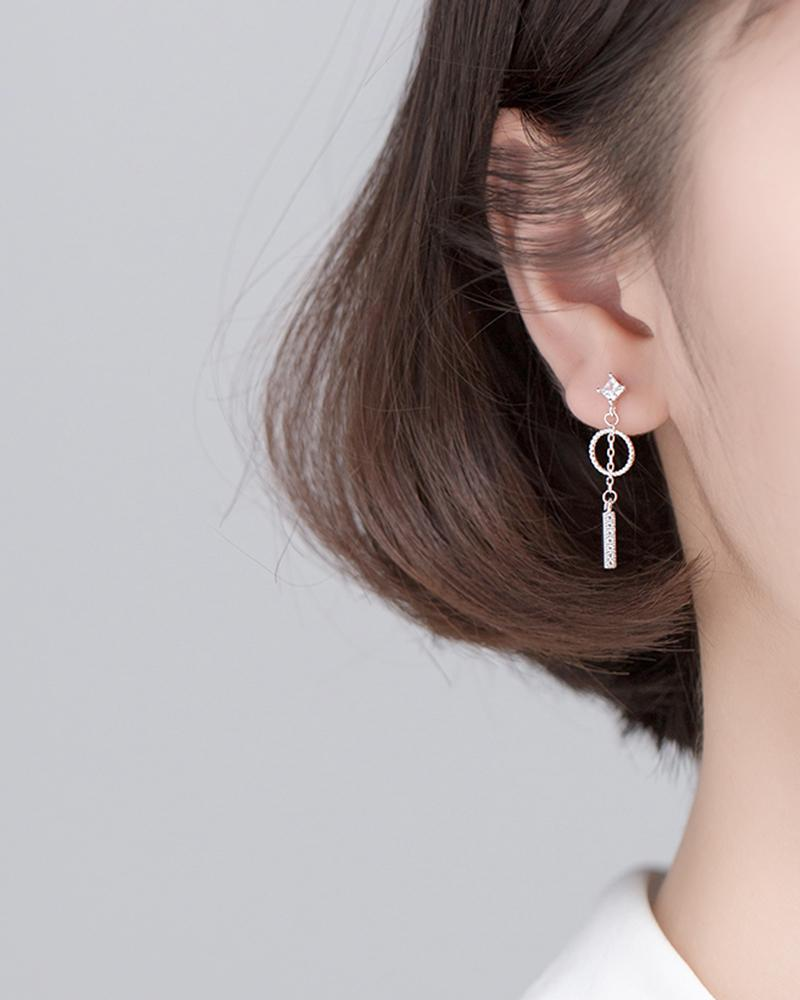 shop sukoshi, silver Geometric Pendulum Mismatched Dangle Earrings on model, sterling jewelry collection
