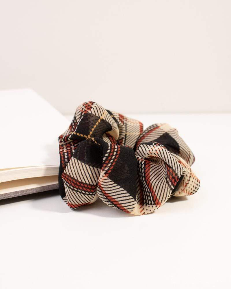 Modern Plaid Scrunchie black and beige