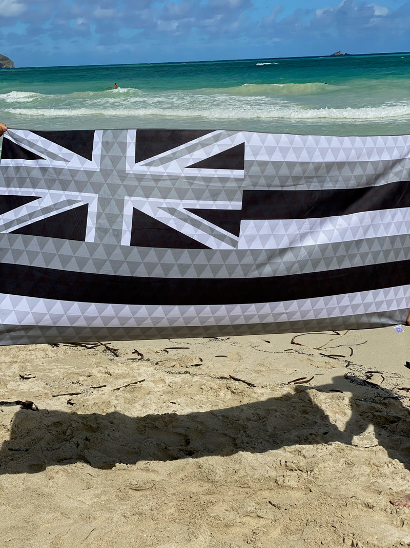 Black and White Hae Hawaii Microfiber Towel