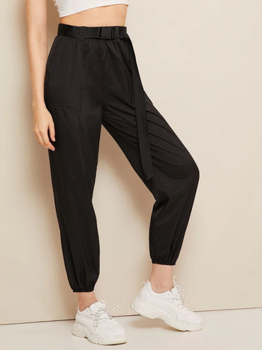 Women Buckle Belted Pocket Patch Crop Wind Pants