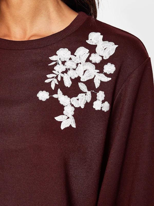 Women Embroidery Exaggerate Sleeve Pullover