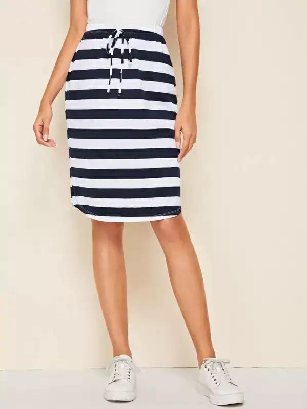 Women Knot Front Curved Hem Striped Skirt