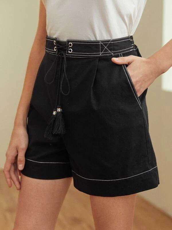 Women Tassel Lace Up Waist Contrast Stitch Shorts