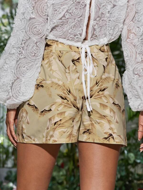 Women Tropical Print Belted Shorts