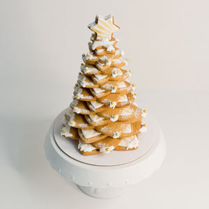 Gingerbread cookie Christmas tree. Celebrate Christmas with these stylish cookie cakes.   birthday cakes Brisbane, cake shops Brisbane, cupcakes Brisbane, cake shop Brisbane, Veruccas Cakes, Verucca Cakes, Verucas Cakes, Veruca Cakes Verrucas Cakes,