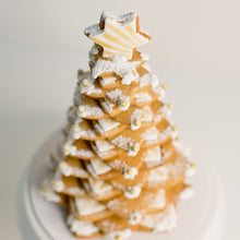 Load image into Gallery viewer,  Gingerbread cookie Christmas tree. Celebrate Christmas with these stylish cookie cakes.   birthday cakes Brisbane, cake shops Brisbane, cupcakes Brisbane, cake shop Brisbane, Veruccas Cakes, Verucca Cakes, Verucas Cakes, Veruca Cakes Verrucas Cakes,