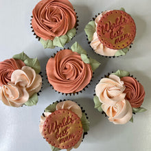 "Load image into Gallery viewer, ""World's Best Mum""  cupcakes"