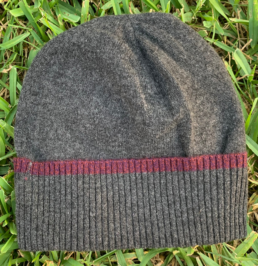 hat with tipping-pepper/berries