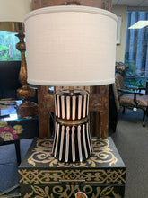 Load image into Gallery viewer, Black and White Table Lamp