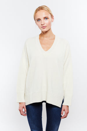 Phoebe V-neck White