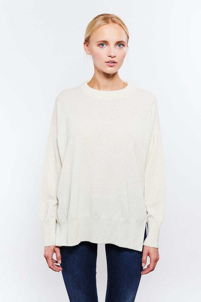 Phoebe Round Neck White