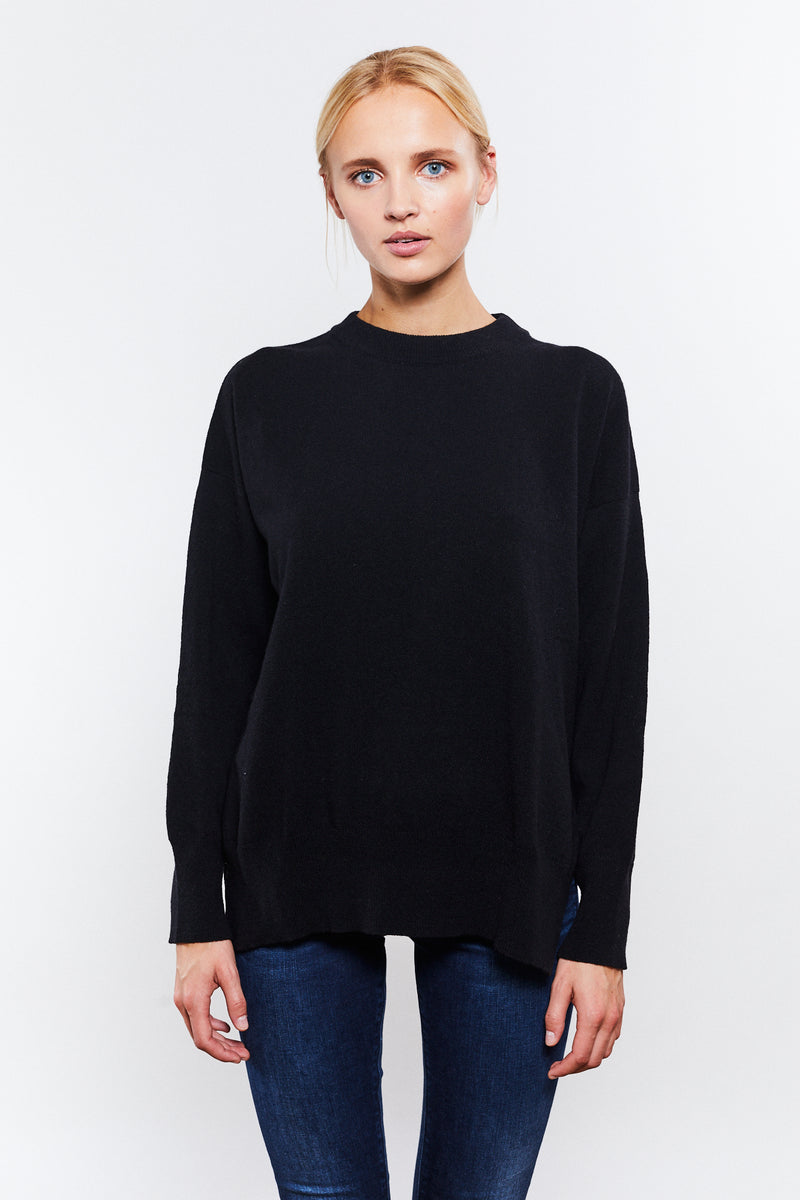 Phoebe Round Neck Black