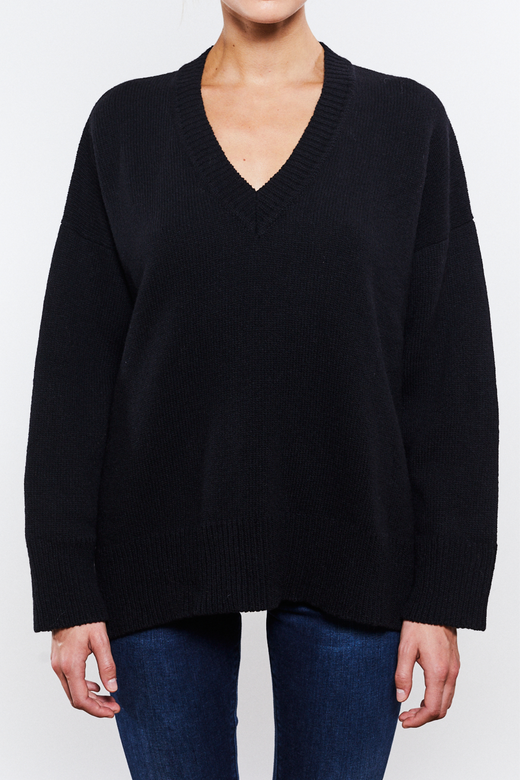 Phoebe V-neck Black