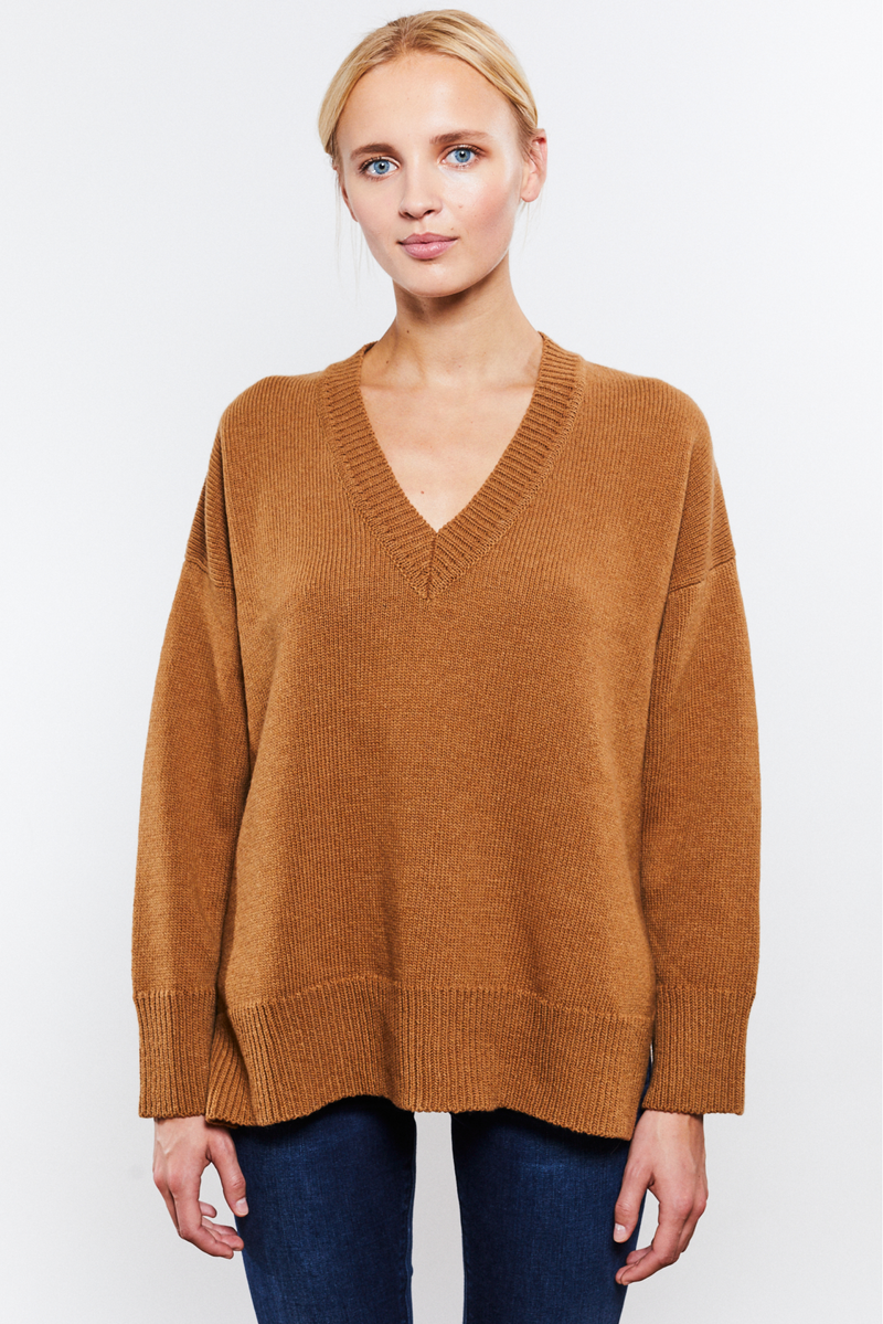 Phoebe V-neck Camel - Sample