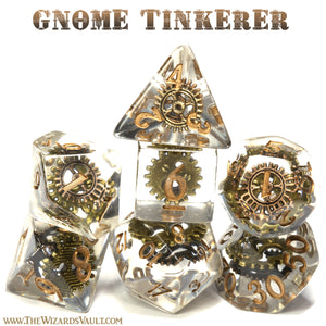 Gnome Tinkerer - Dice with gears in clear resin - The Wizard's Vault
