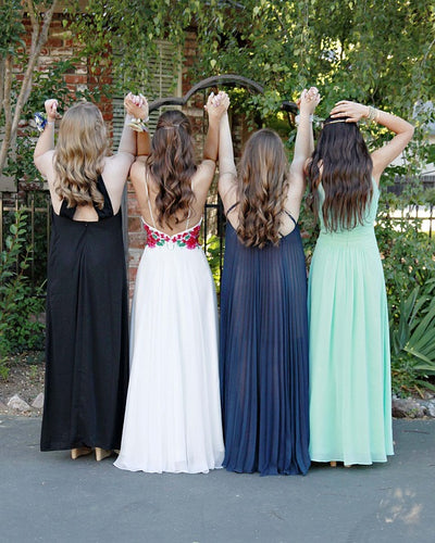 Create Different Looks With A Variety Of Dresses For Prom